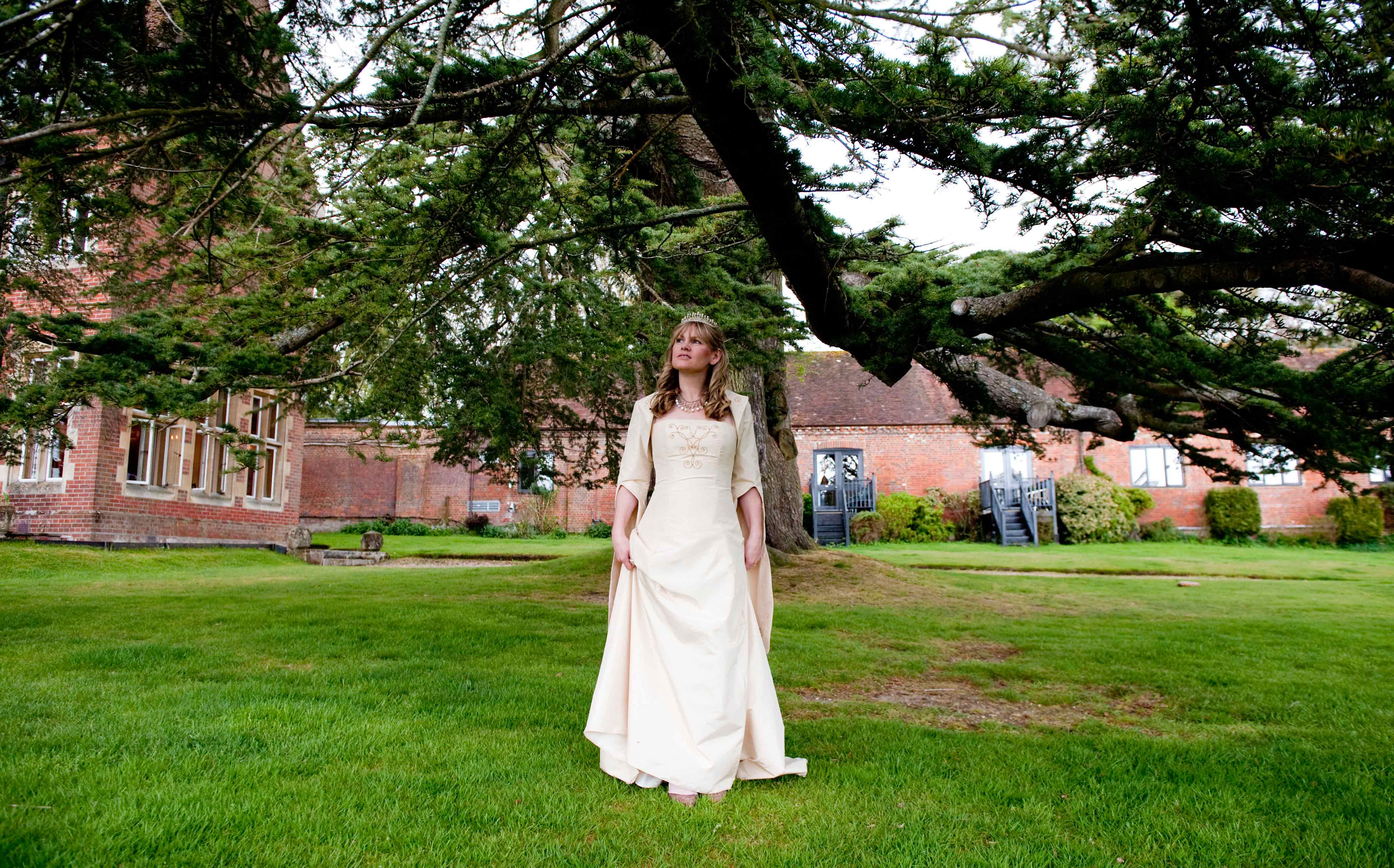 wedding photography at burley manor in the new forest